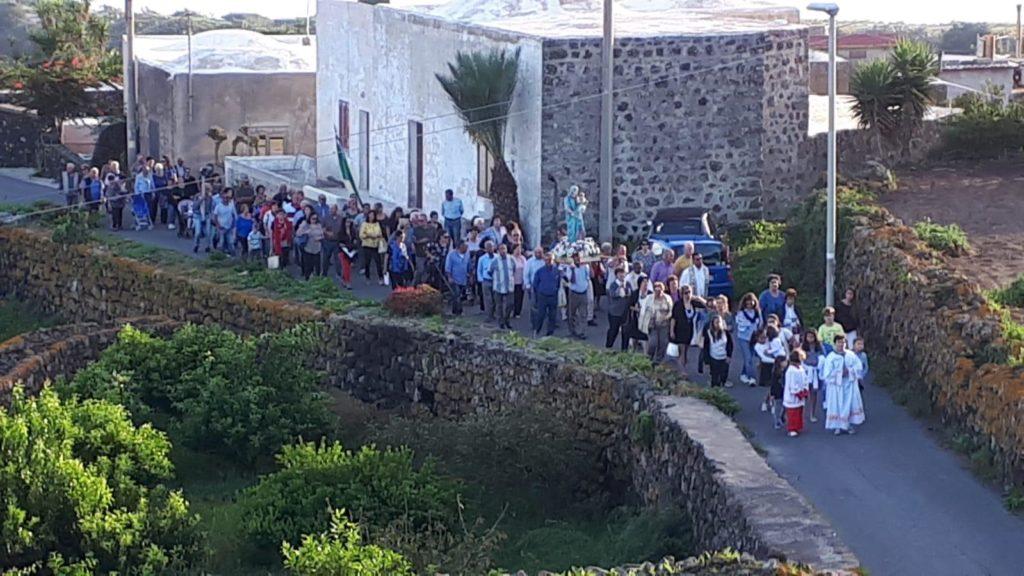 Processione Madonna del Rosario Sibà