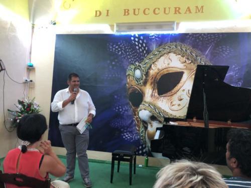 Carmine Acierno presenta la serata